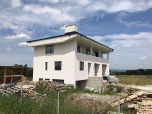 Casa Atodiresei, Tamplarie PVC Iaslovat 1