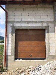 Casa Cirdei - Usi de garaj